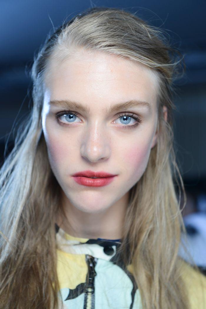 Makijaż na wiosnę 2015 - Topshop Unique