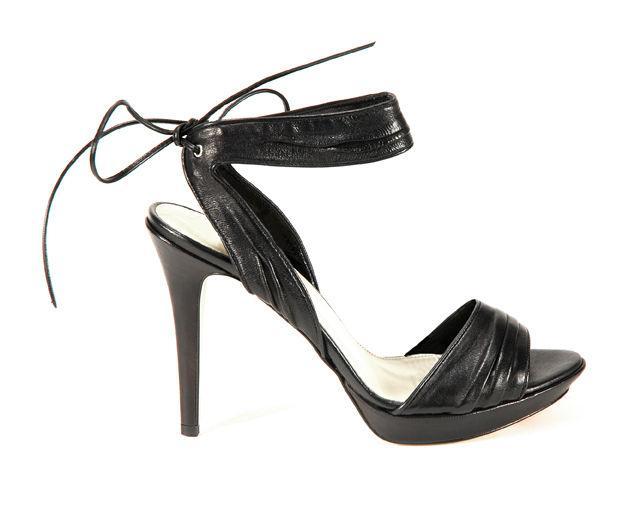 czarne sandały Venezia - wiosna/lato 2011