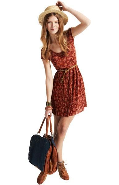 brązowa sukienka Pull and Bear - letnia kolekcja