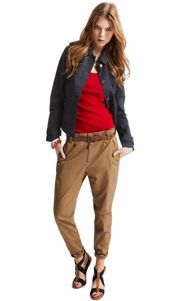 beżowe spodnie Pull and Bear - wiosna/lato 2011