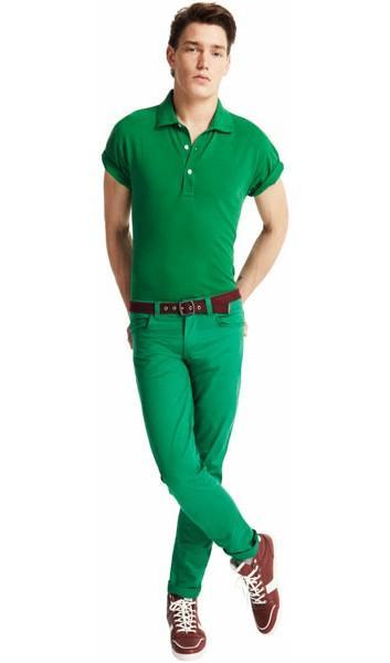 zielone spodnie Pull and Bear - moda wiosna/lato