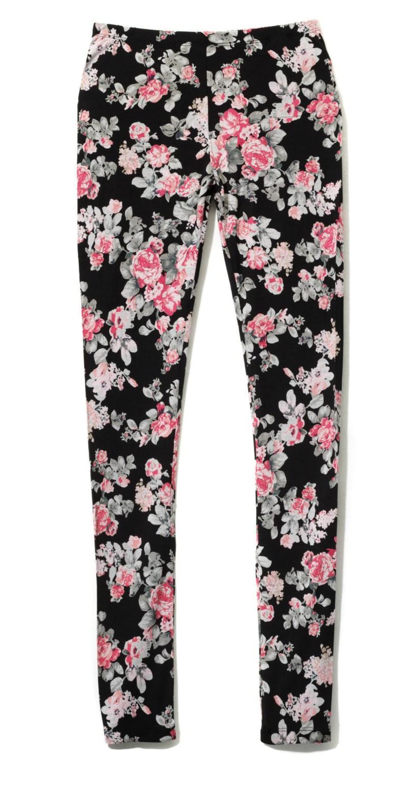 czarne spodnie Reserved w kwiaty