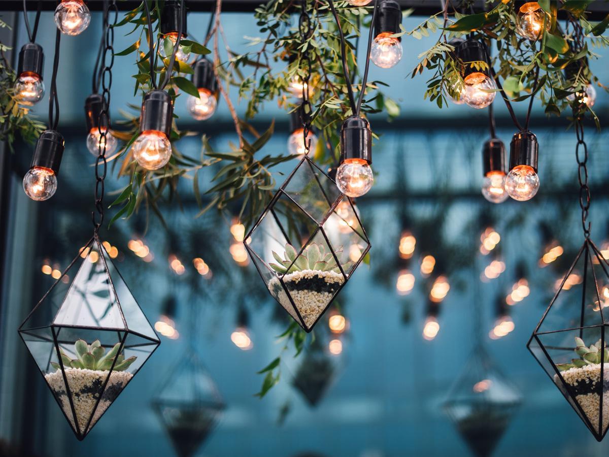 Romantyczne oświetlenie ślubne