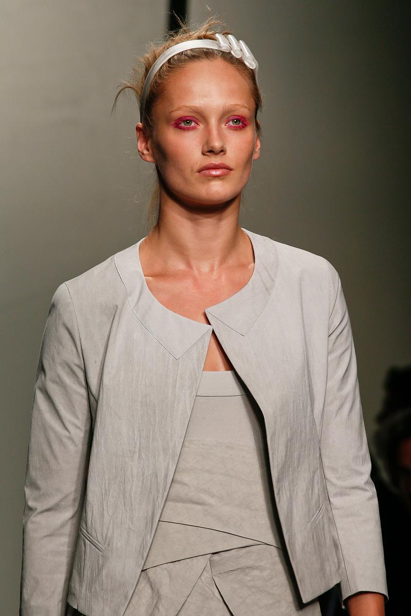 make up w kolorze różowym - Donna Karan