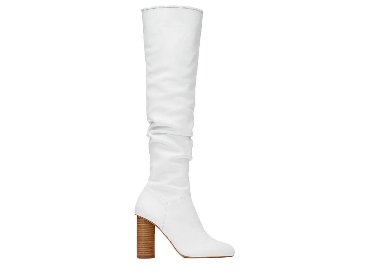 Białe kozaki na słupku, Zara, cena ok. 459,00 zł