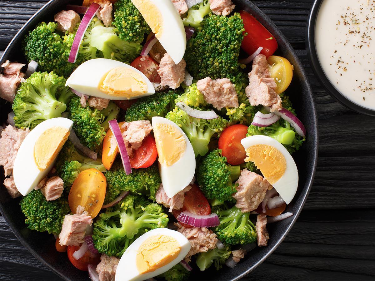 sałatka z brokułami przepis