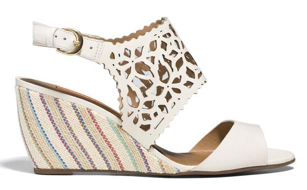 białe sandałki Badura na koturnie  - lato 2013