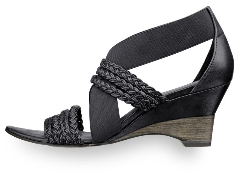 czarne sandały Tamaris - wiosna/lato 2011