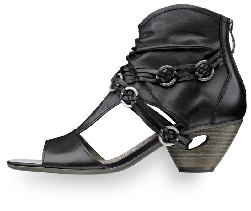 czarne sandały Tamaris - trendy wiosna-lato