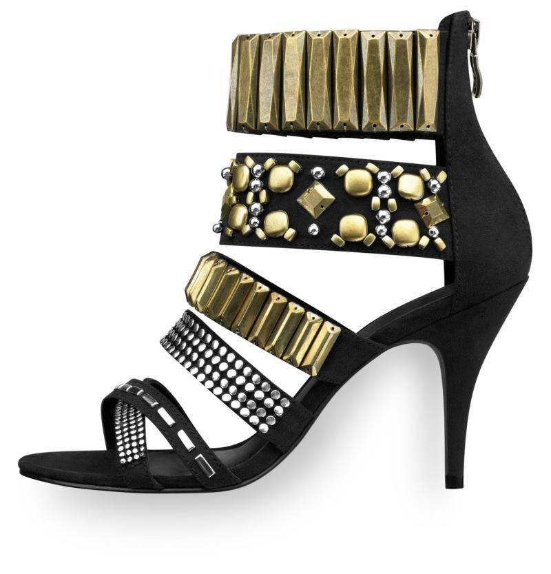 czarne sandały Tamaris ze zdobieniami na szpilce - moda wiosna/lato