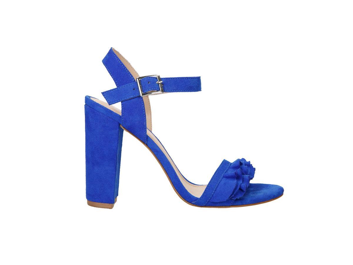 Niebieskie sandały na obcasie, CCC, cena ok. 99,90 zł