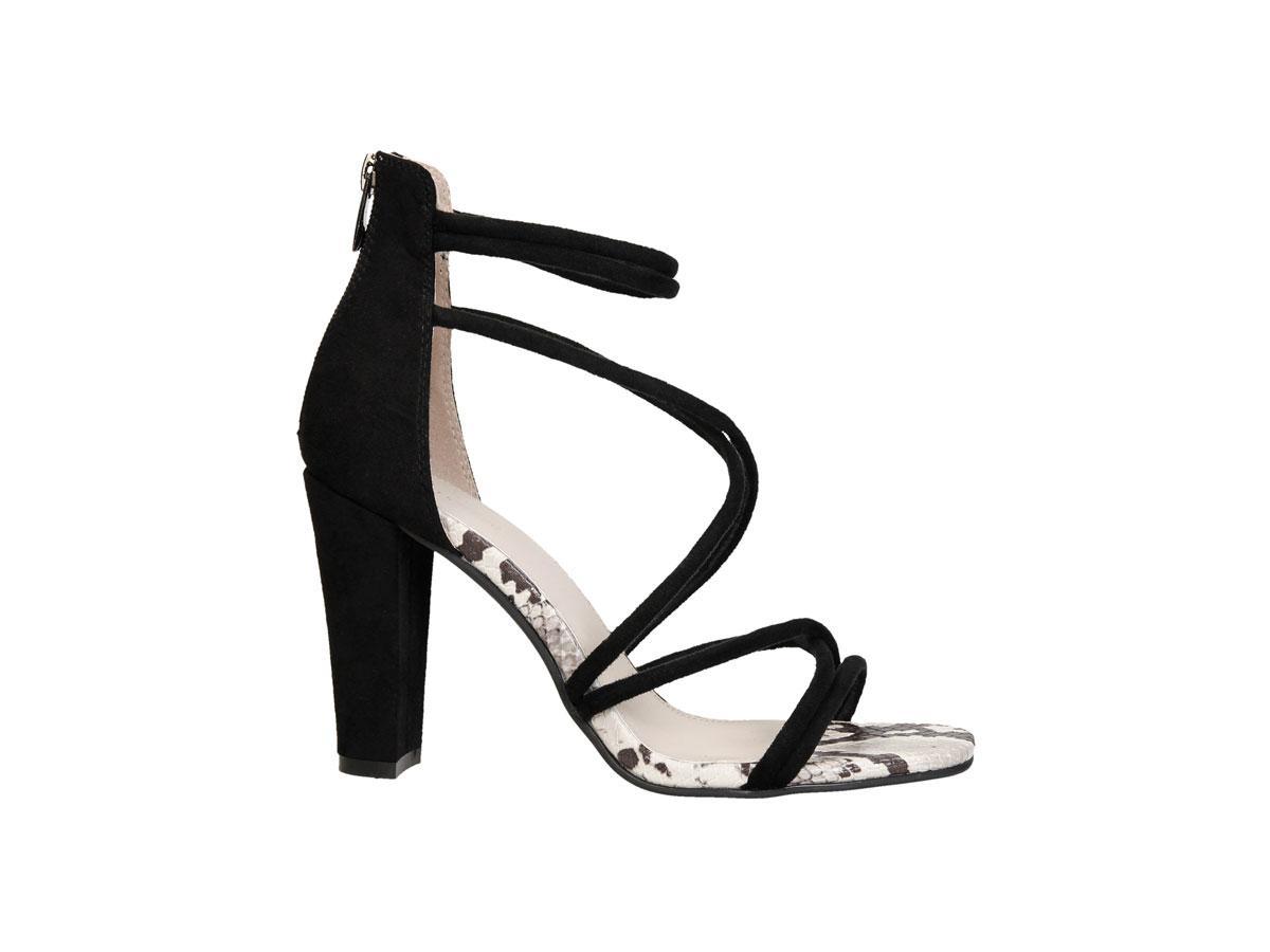 Czarne sandały na obcasie, CCC, cena ok. 129,99 zł