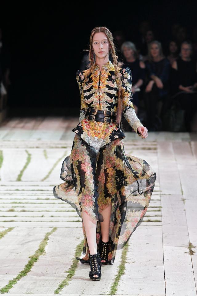 Alexander McQueen, Sarah Burton, kolekcje wiosna/lato 2011