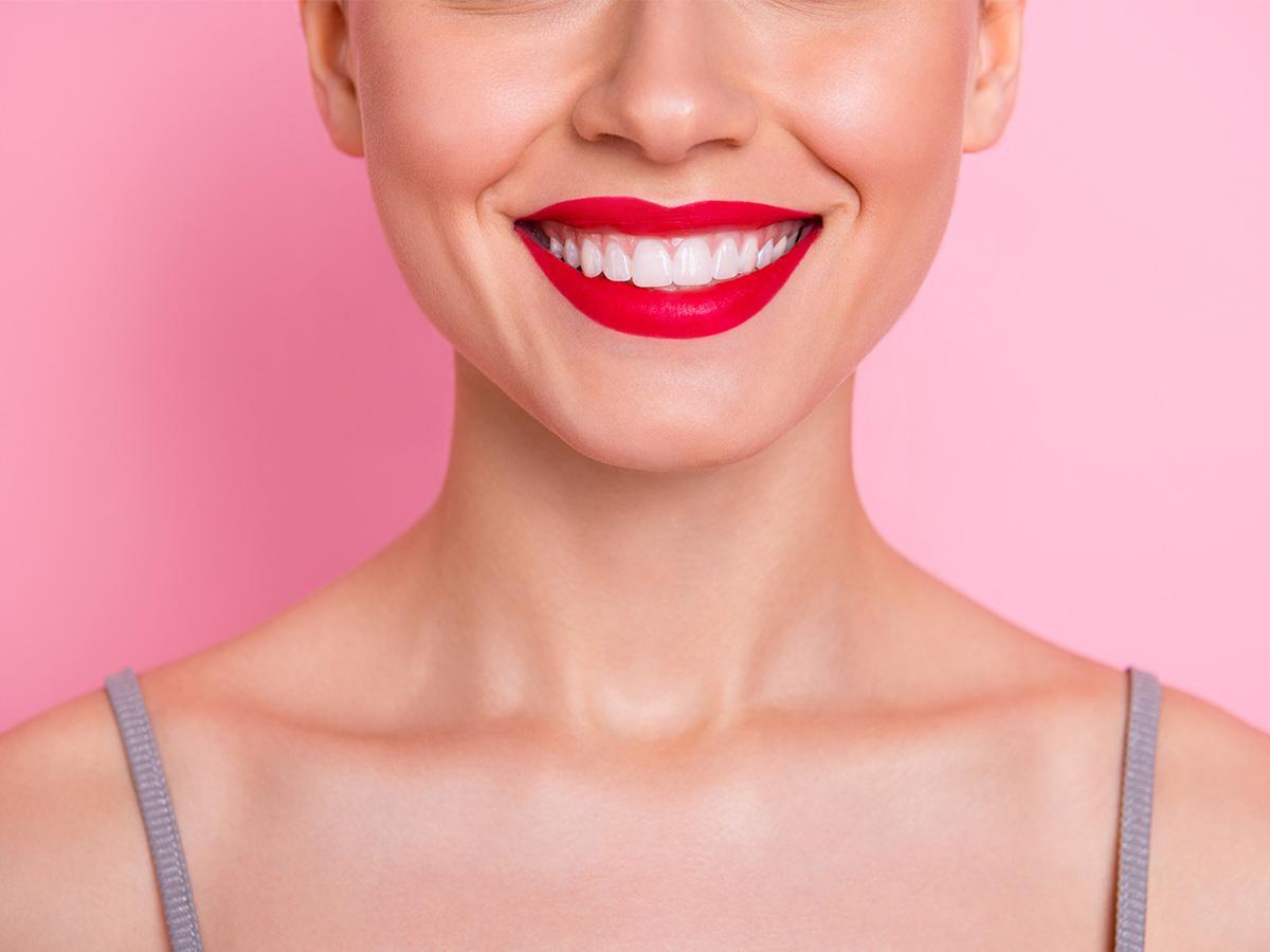 sen o białych zdrowych zębach