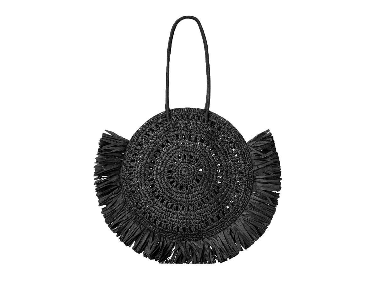 Czarna torebka z naturalnych materiałów, Zara, cena ok. 159,00 zł