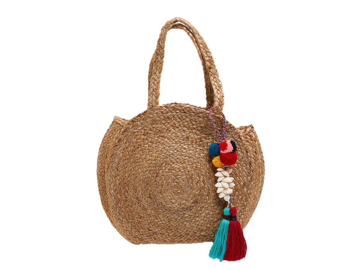 Okrągła torebka z plecionki, Zara, cena ok. 139,00 zł