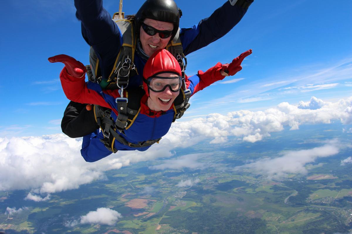 skok ze spadochronem - postanowienia noworoczne