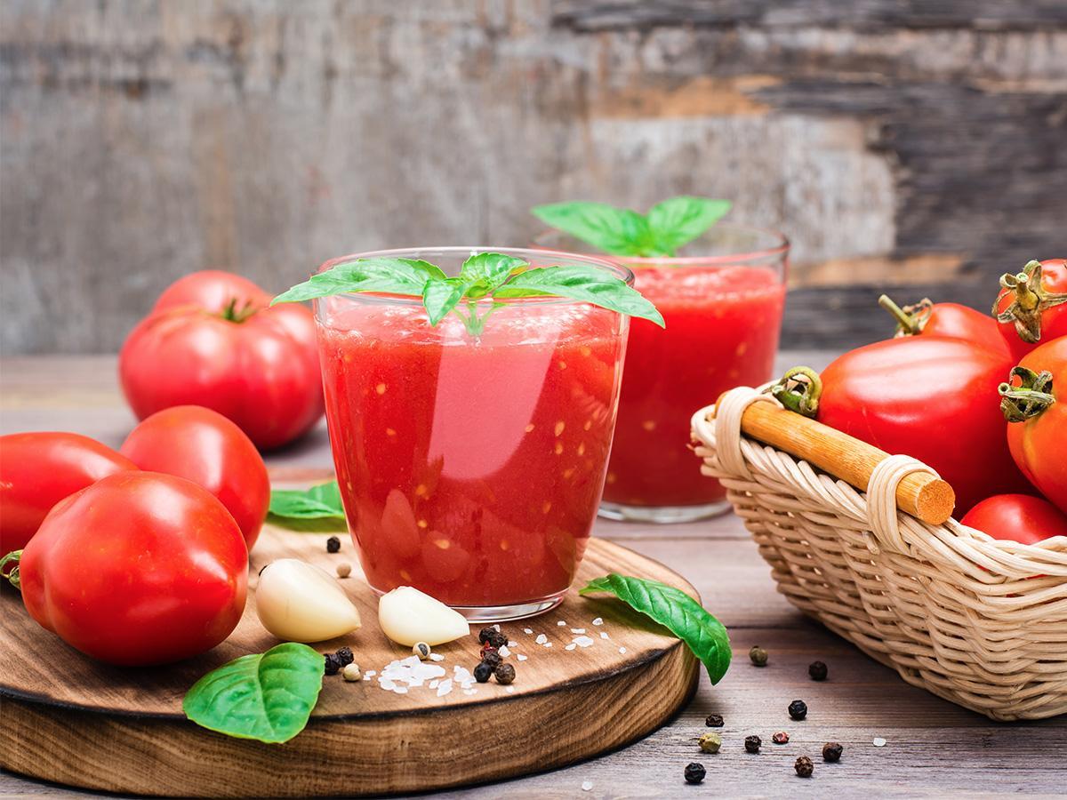 sok pomidorowy na zimę z bazylią przepis