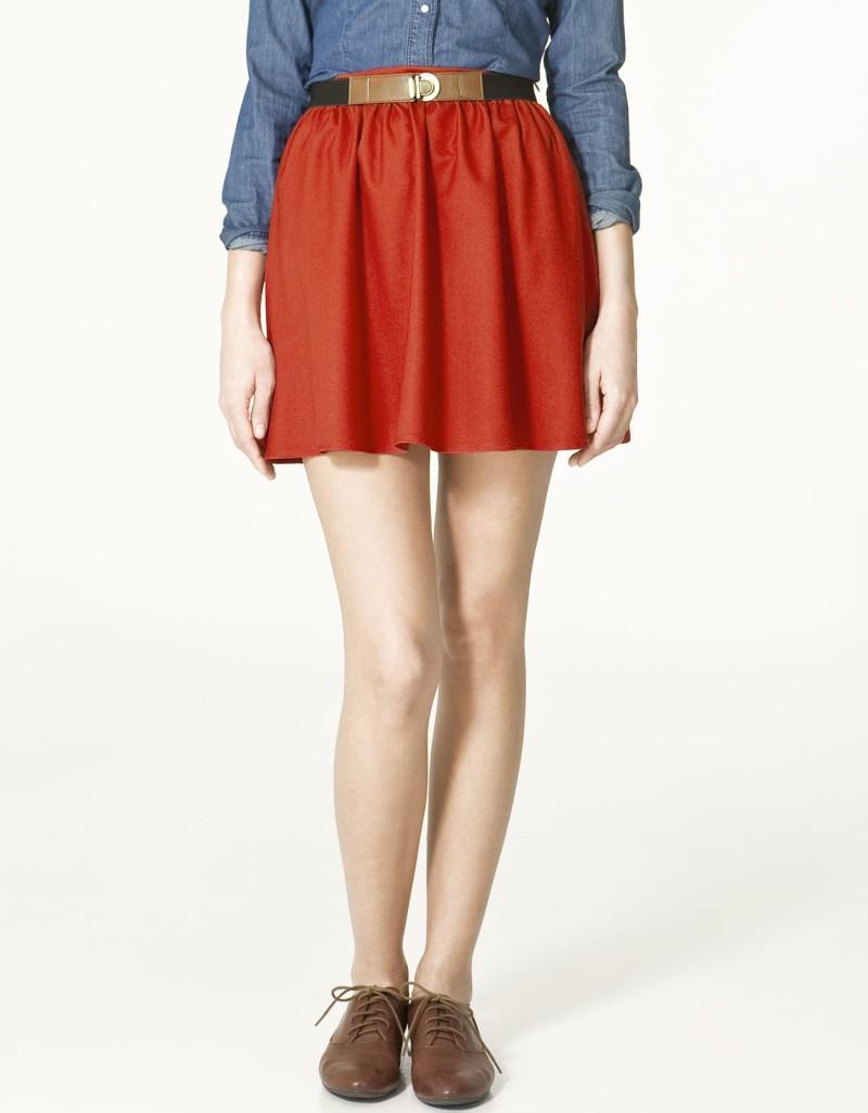 czerwona spódnica ZARA - z kolekcji wiosna-lato 2011