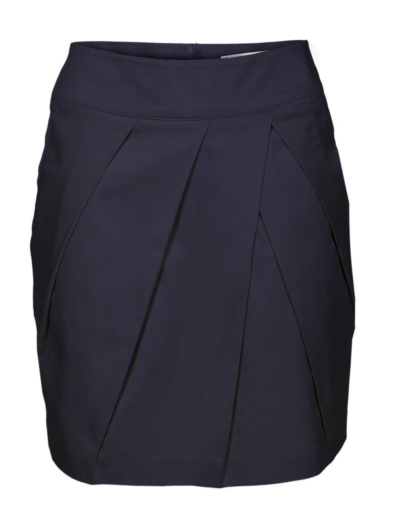 czarna spódnica Troll - trendy wiosna-lato
