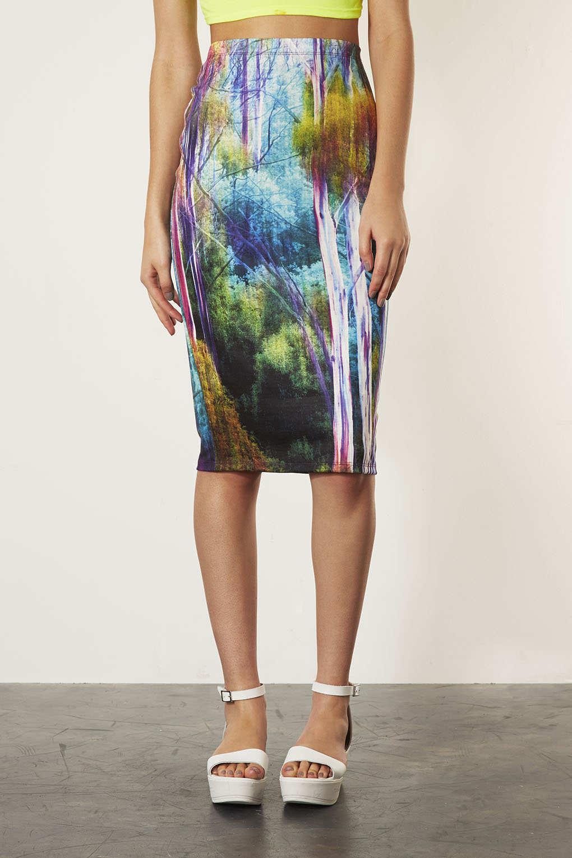 Sukienki tuby z nadrukami