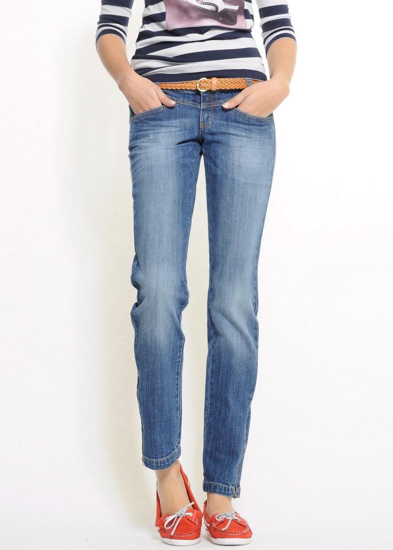 niebieskie dżinsy Mango - moda 2011