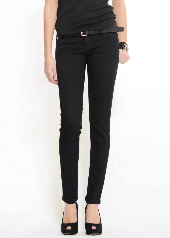 czarne spodnie Mango rurki - trendy wiosna-lato