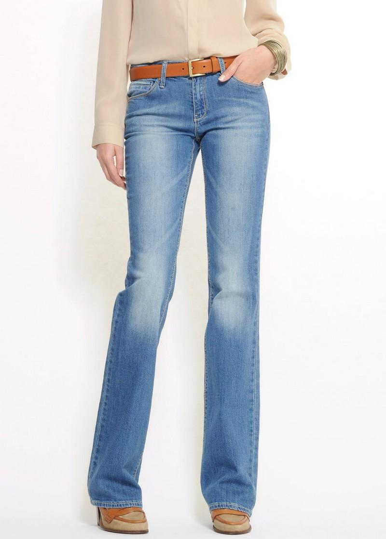 niebieskie dżinsy Mango - moda wiosna/lato