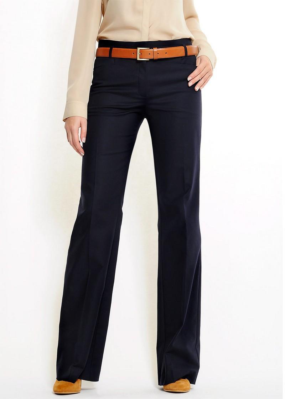 czarne spodnie Mango szwedy - trendy wiosna-lato