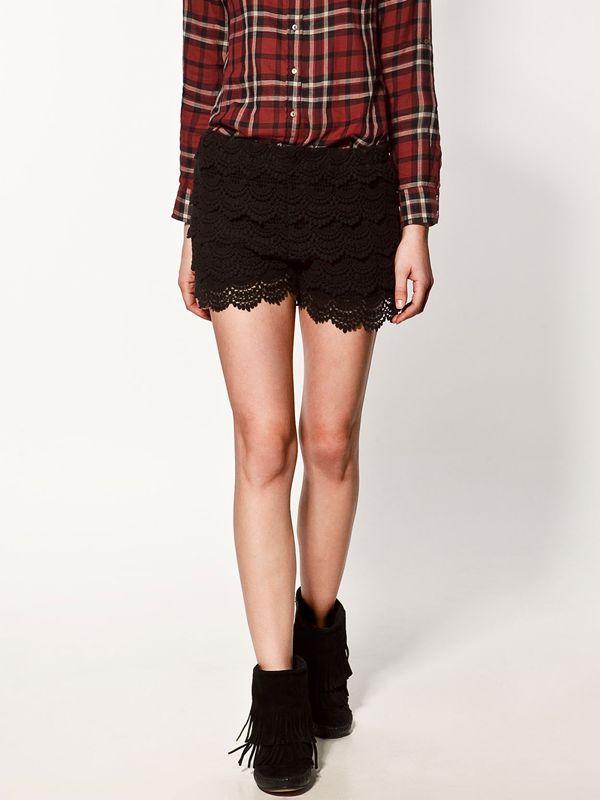 czarne szorty ZARA koronkowe - z kolekcji wiosna-lato 2012