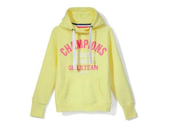 Żółta bluza z nadrukiem, Reserved, cena: 99,99 zł