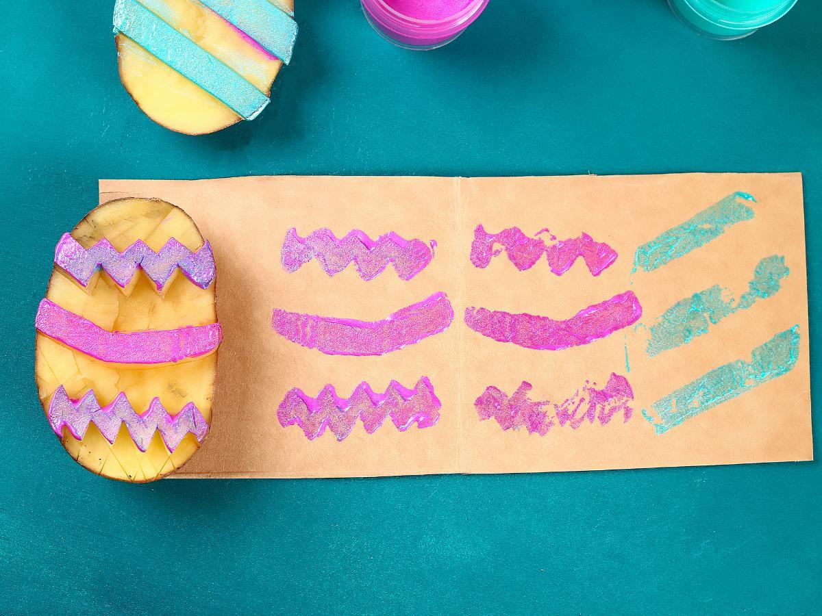 Stemple z ziemniaków w kształcie pisanek