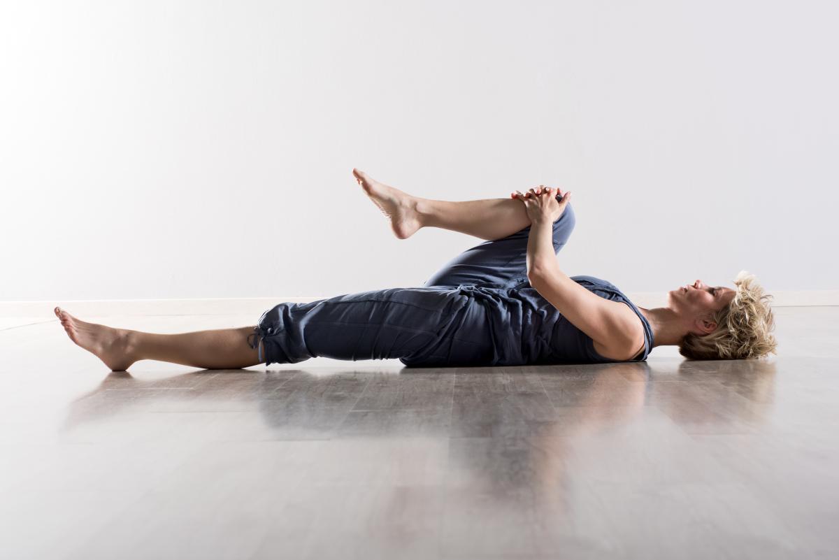 Stretching rozciąganie na leżąco