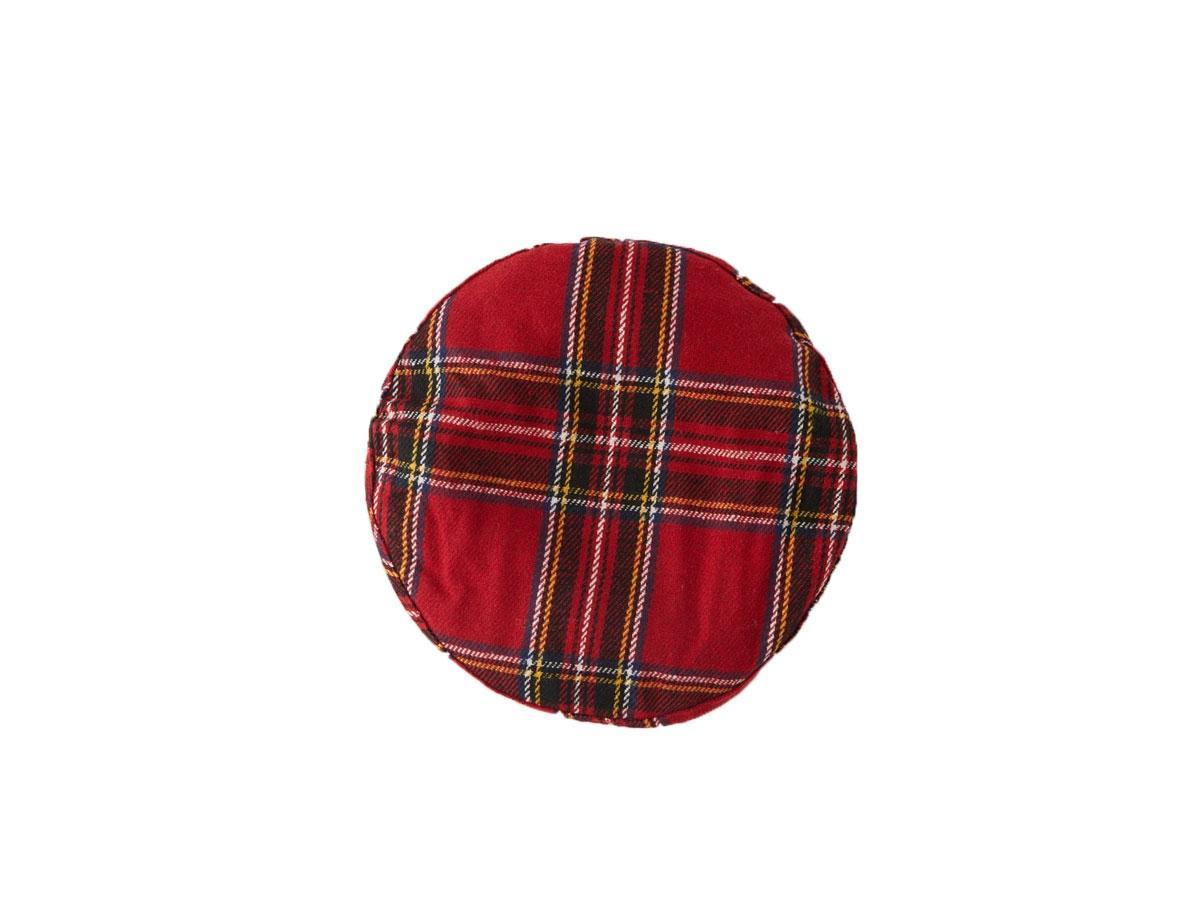 Czerwony beret w kratę, Bershka, cena ok. 29,90 (z 59,90 zł)
