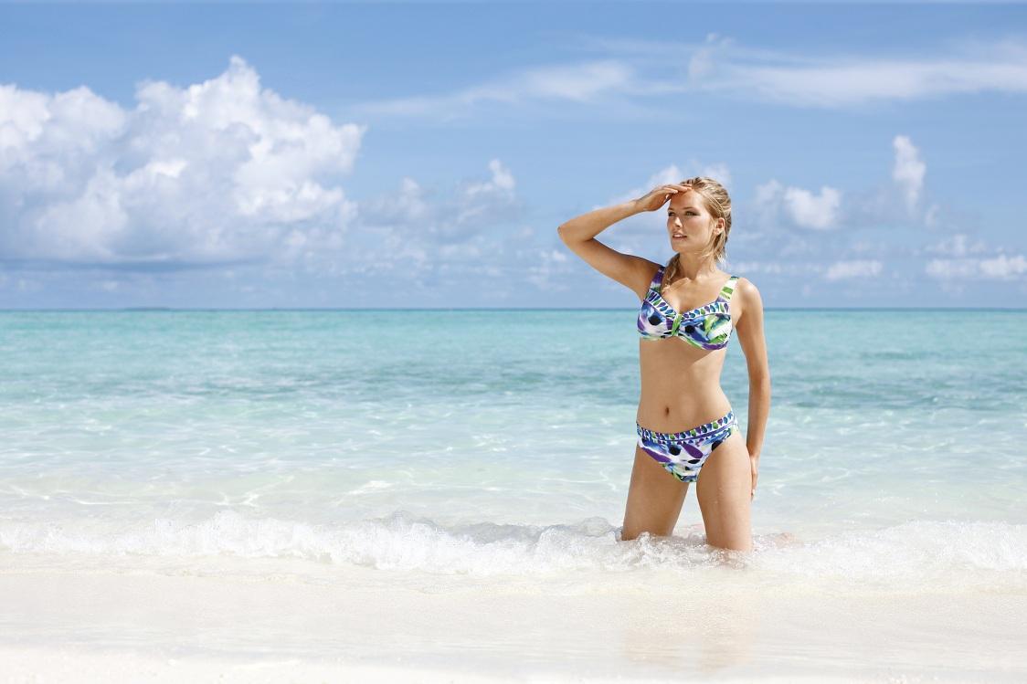 bikini Sunmarin w kolorze niebieskim - moda na plażę 2013