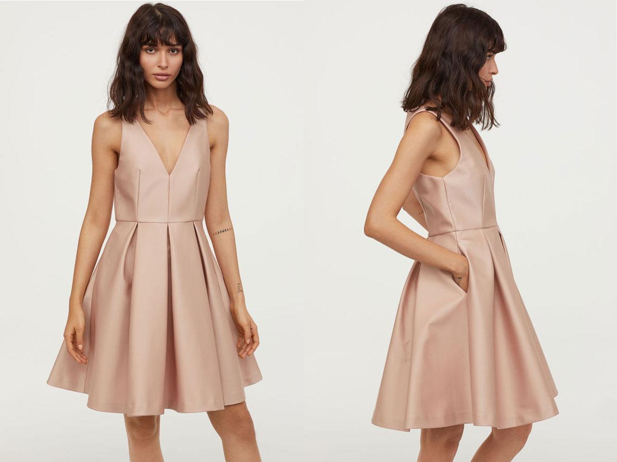 e64e38db48 Beżowa sukienka z rozkloszowanym dołem