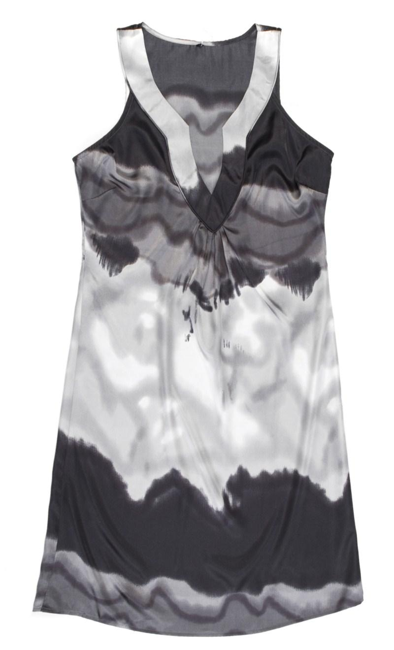 popielata sukienka Carry - trendy wiosna-lato