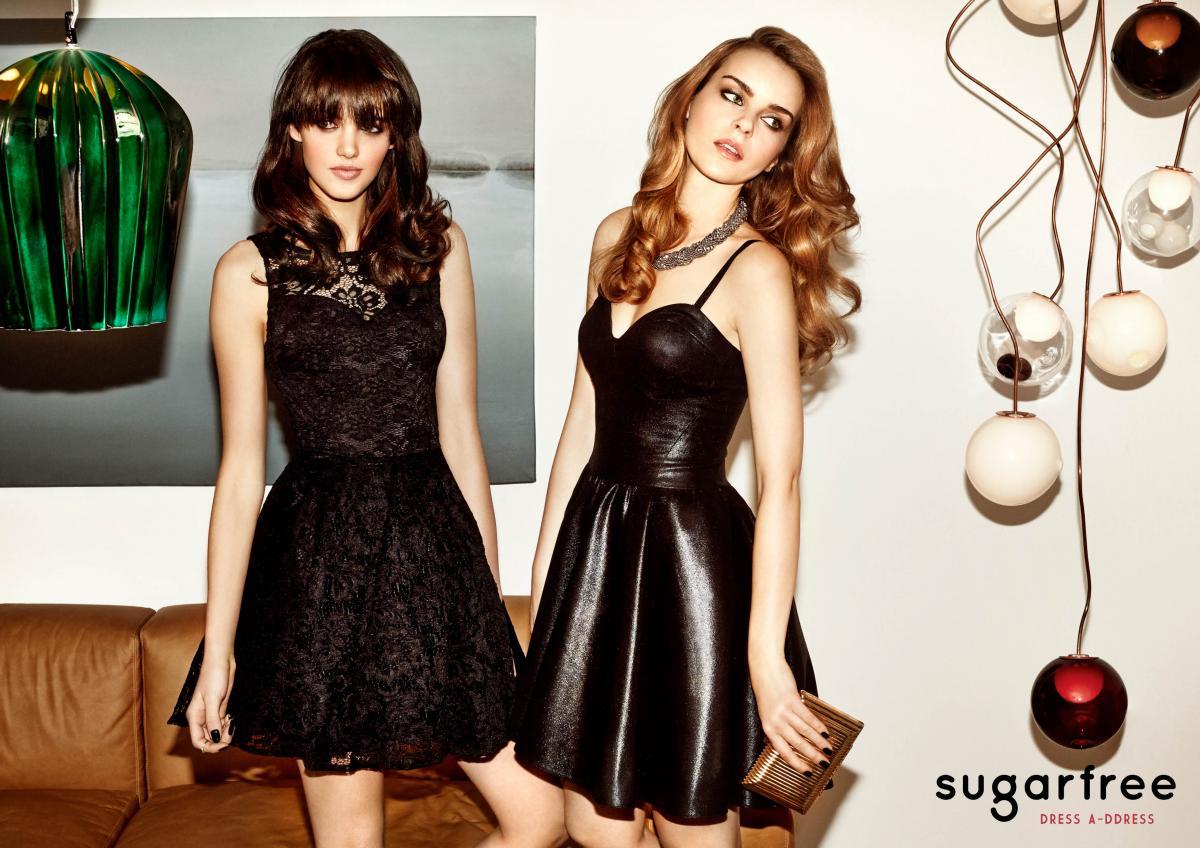 czarna sukienka Sugarfree rozkloszowana