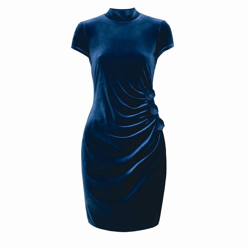 granatowa sukienka Pretty Girl - trendy na jesień-zimę