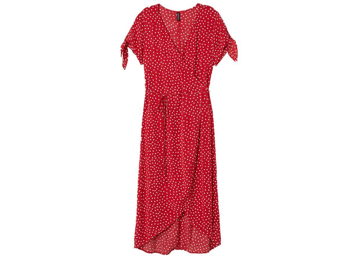 Czerwona sukienka w groszki, Zara, cena ok. 99,90zł