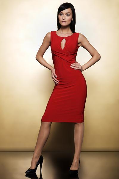 czerwona sukienka wieczorowa Nife