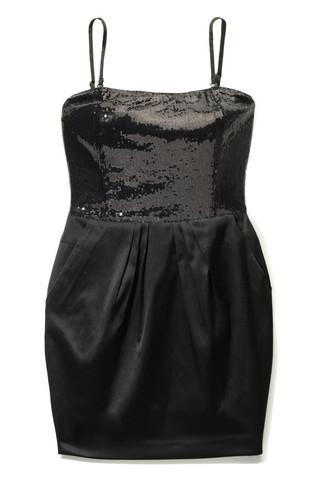 czarna sukienka wieczorowa Mohito satynowa