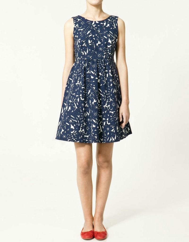 granatowa sukienka ZARA we wzory - wiosenna kolekcja