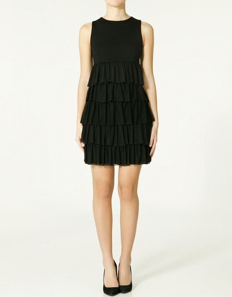 czarna sukienka ZARA z falbanami - moda 2011