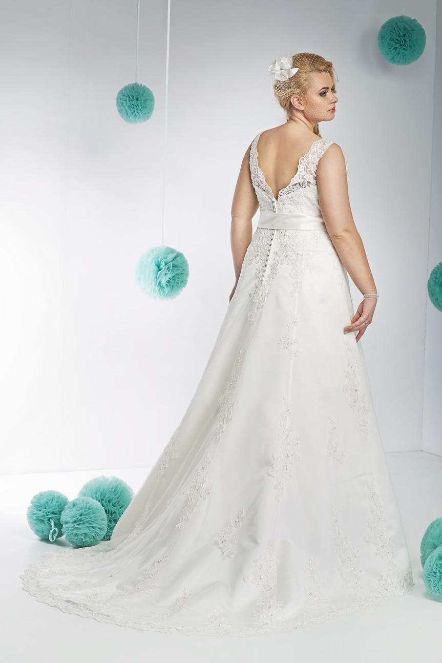 Suknia ślubna Annais Bridal Z Dekoltem Na Plecach Suknie ślubne