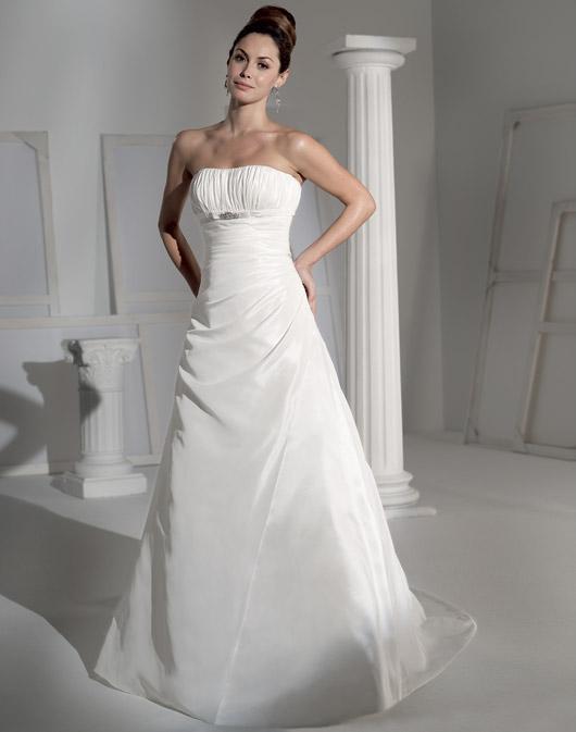 Suknie ślubne Fara Sposa 2009 - Zdjęcie 18