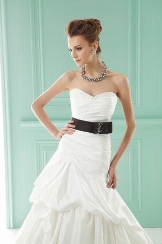 Długie suknie ślubne Jasmine Collection - kolekcja 2013