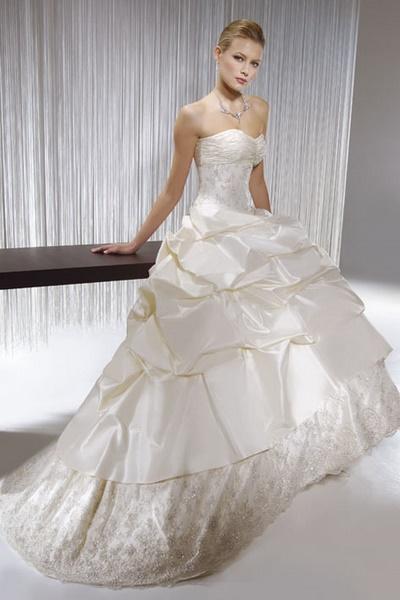 Suknie ślubne kolekcja Demetrios 2007 - Zdjęcie 2