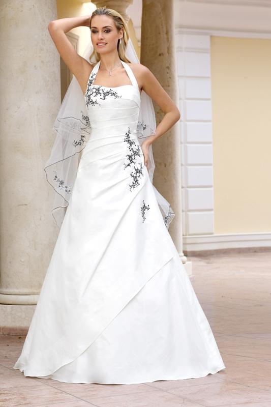 48af2ea515 Suknia ślubna z grafitowymi aplikacjami - Suknie ślubne Ladybird  80 ...