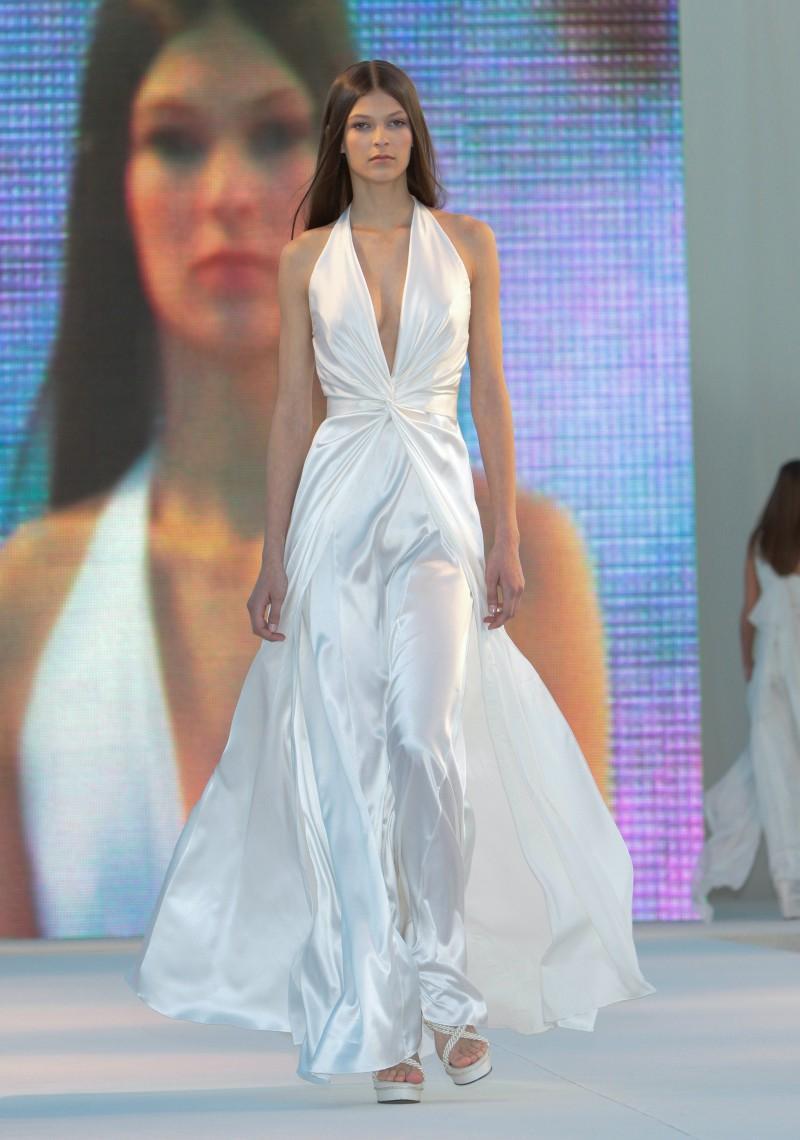Suknie ślubne Macieja Zienia - Sopot Fashion Day 2009 - Zdjęcie 3